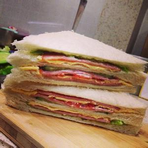 美味的猪排奶酪三明治