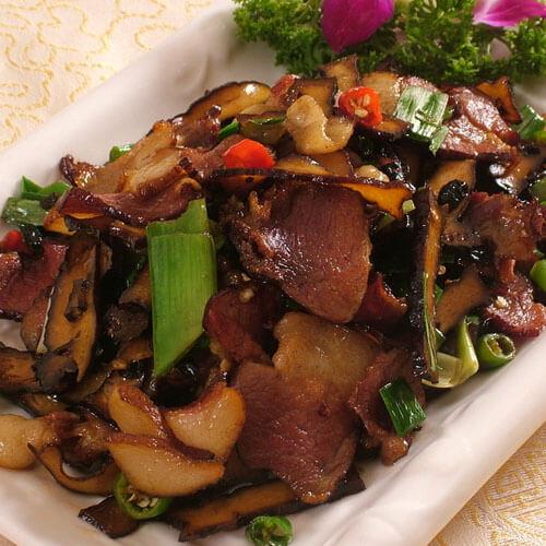 小炒胡萝卜腊肉
