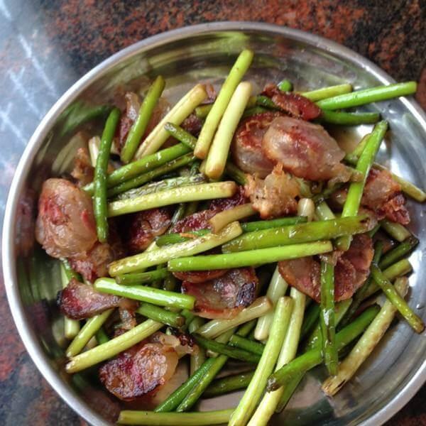 香肠炒蒜苔莴笋