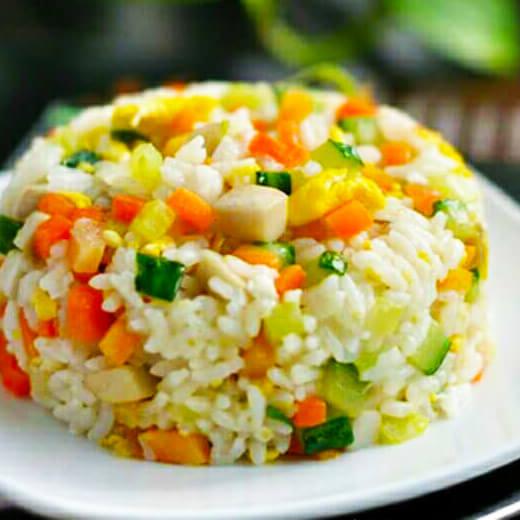 土豆烤肠炒米饭