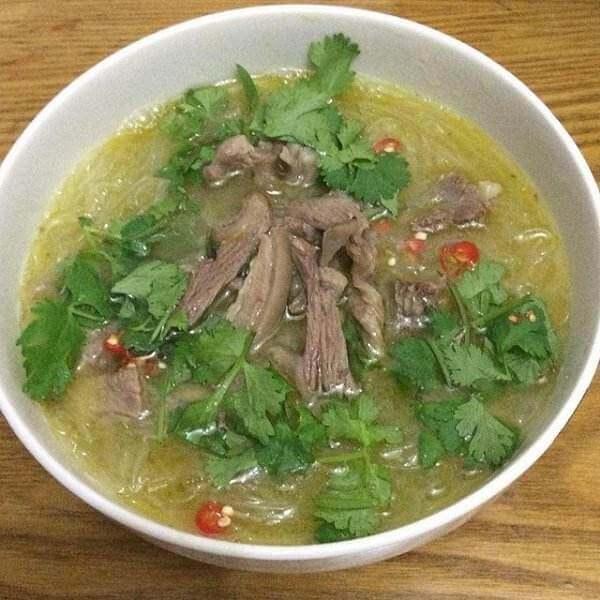 酸菜胡豆粉丝汤