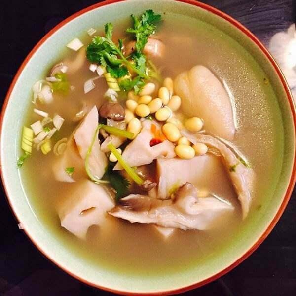 DIY胡萝卜土豆黄豆汤
