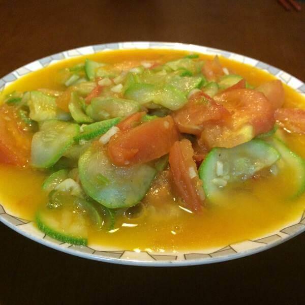 酸甜可口的番茄笋干葫芦