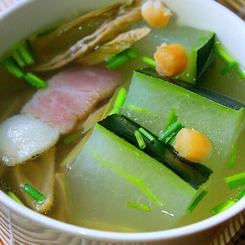 虾皮鱼丸冬瓜汤