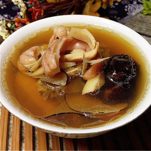 竹荪粉条鸡汤煲