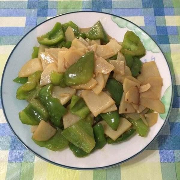 葱香青椒土豆片