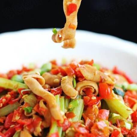 郫县豆瓣香肠炒芹菜