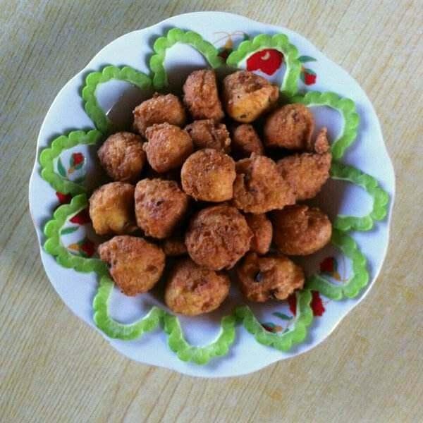 特色小吃焦熘豆腐丸子