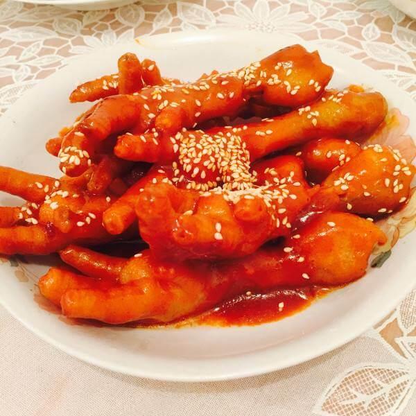 香甜可口的韩式火辣鸡爪