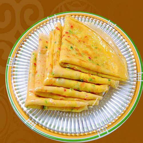 鸡蛋胡萝卜汁包菜煎饼