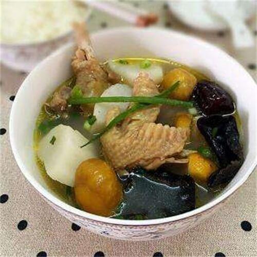 【美味可口】栗子山药鸡汤