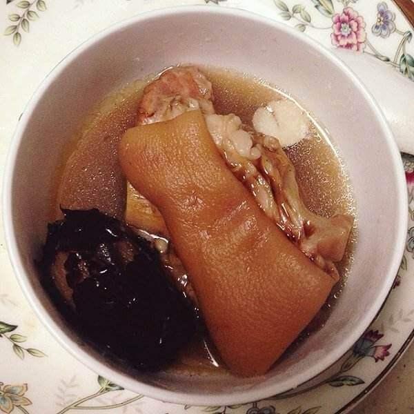 鳗鱼胶红枣炖