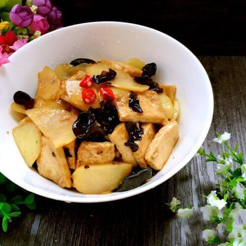 黑木耳土豆炒豆腐