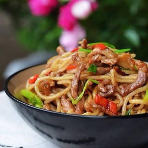 芹菜芽米炒面