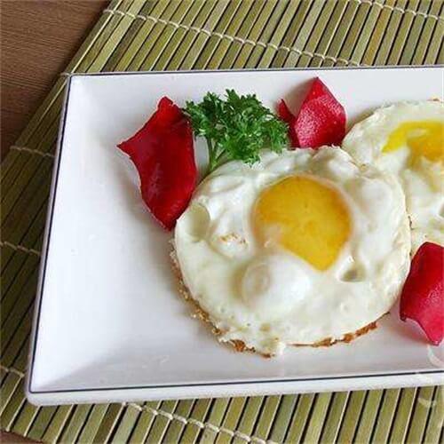 苦瓜火龙果皮煎双蛋