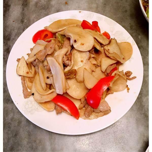 美味的双椒炒肉片