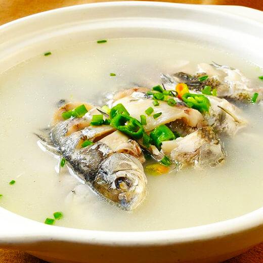 野生河鱼汤