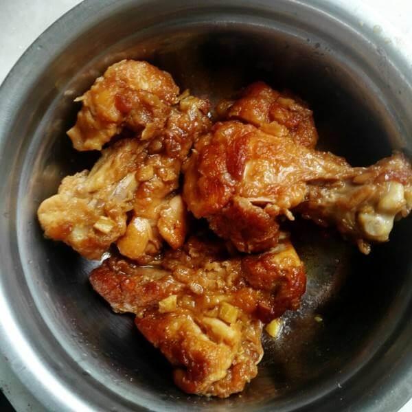 板栗土豆烧鸡翅根