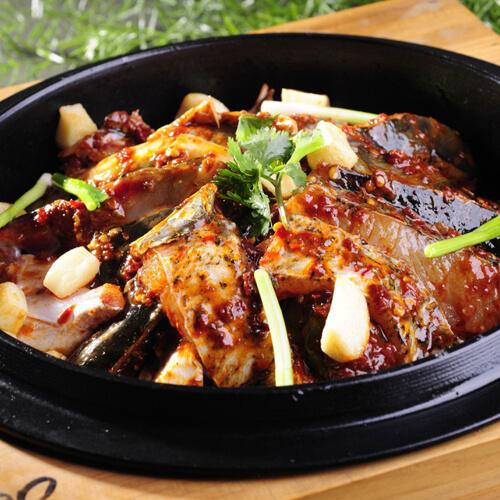 美味的鲢鱼砂锅煲