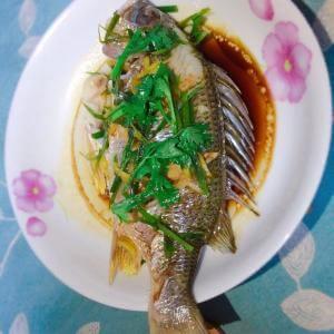 香橙蒸鲈鱼