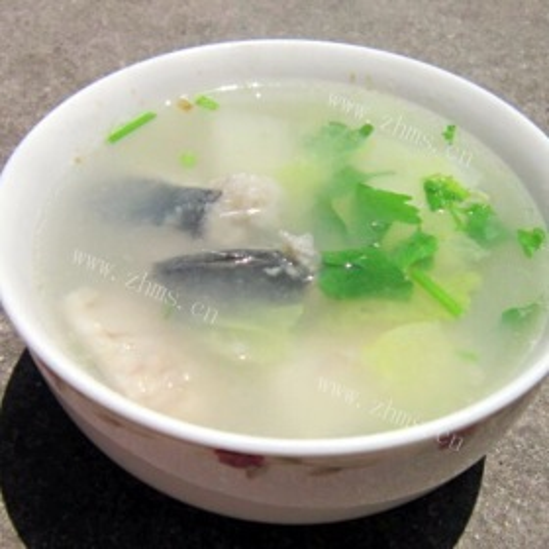 圆白菜煮鲅鱼汤
