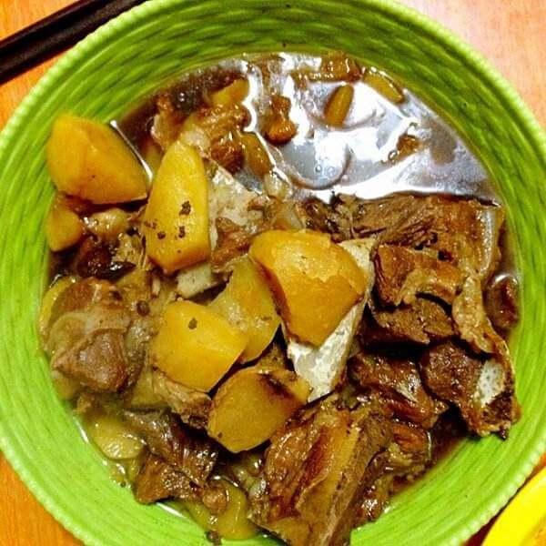 排骨煲土豆