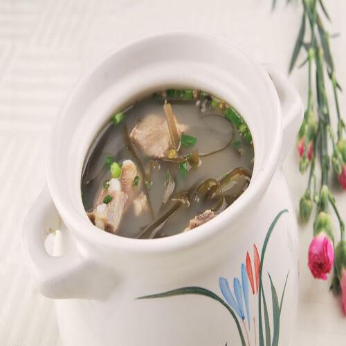清淡的鸡腿菇海带排骨汤