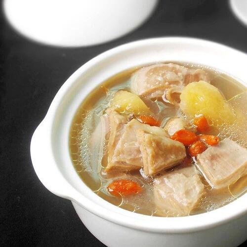 咸蛋猪肉枸杞叶汤