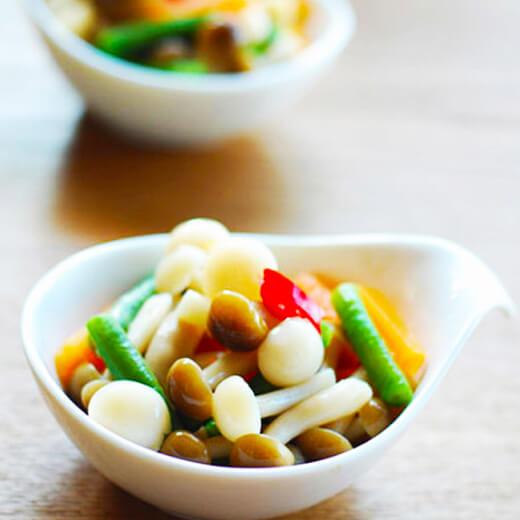 胡萝卜炒白玉菇