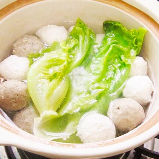 肉丸豆腐丝生菜汤