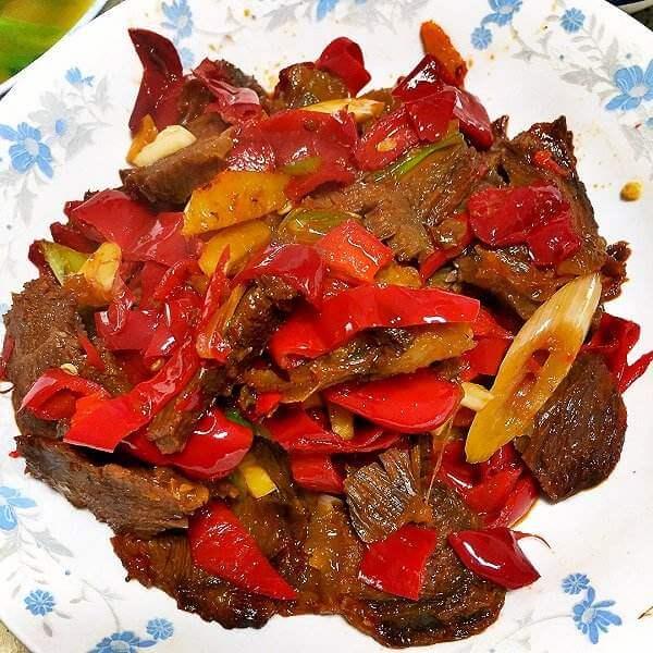 好吃的辣椒炒卤牛肉片