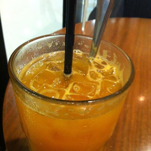 可口的橙子茶