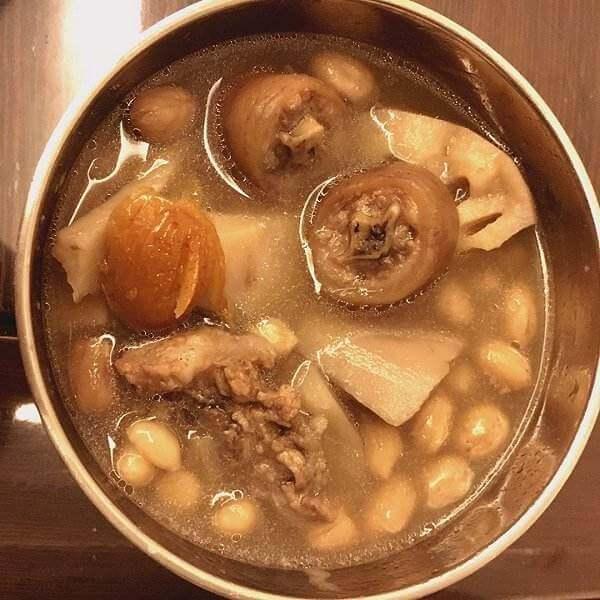 美味可口的赤小豆猪尾汤