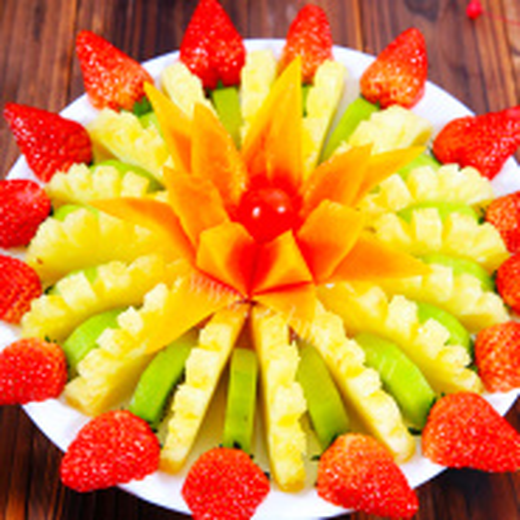 菠萝房子水果拼盘