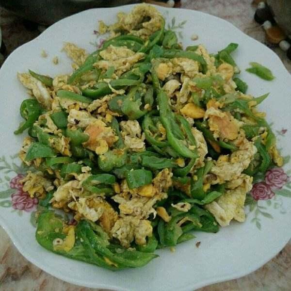 清炒口蘑鸭蛋青椒