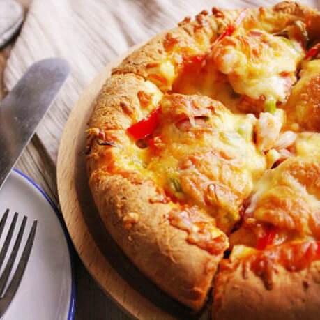 芝士虾仁培根披萨
