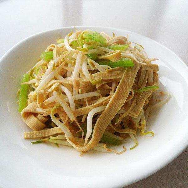 芹菜虫草菇炒绿豆芽