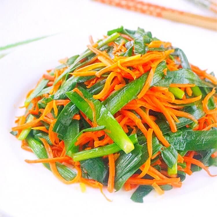 素炒胡萝卜韭菜