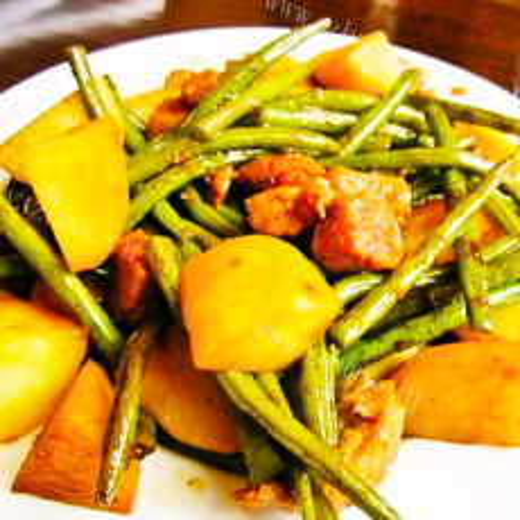 土豆芸豆烧肉片