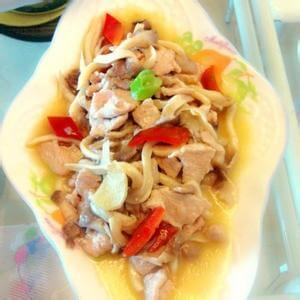 胡萝卜平菇炒肉丝