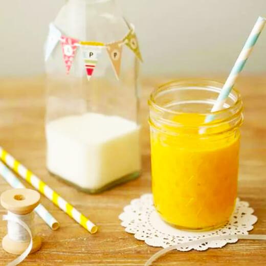 胡萝卜蕉橙奶昔