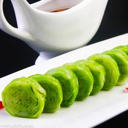 蒸饼卷芹菜