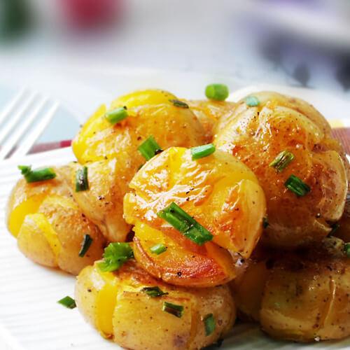可口美食香煎黑椒土豆