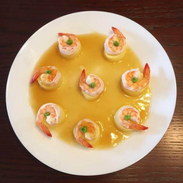 美味的虾仁蒸黄玉