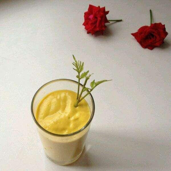 芒果牛油果奶昔