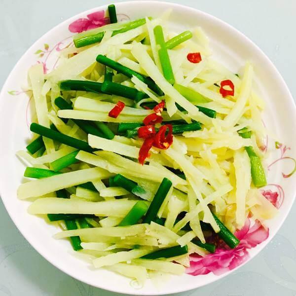 芹菜小炒土豆丝