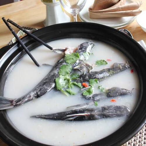 好喝的野生河鱼汤