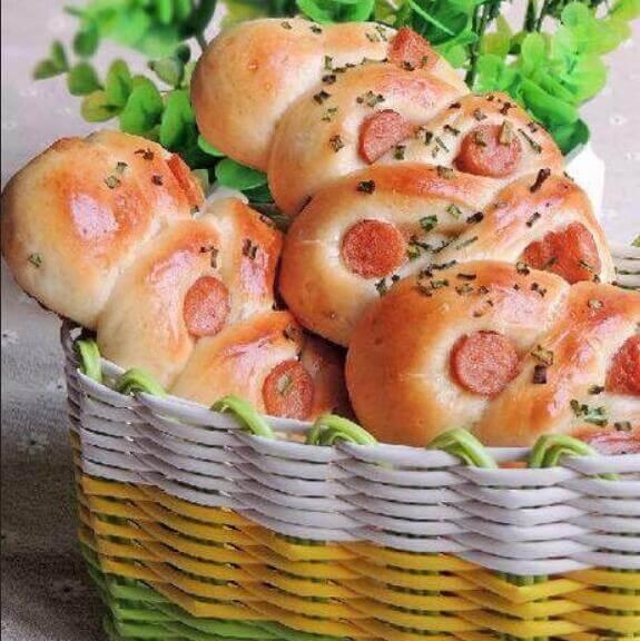 火腿葱香面包