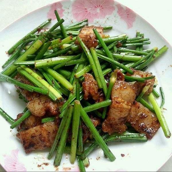 韭菜五花肉烧豆腐