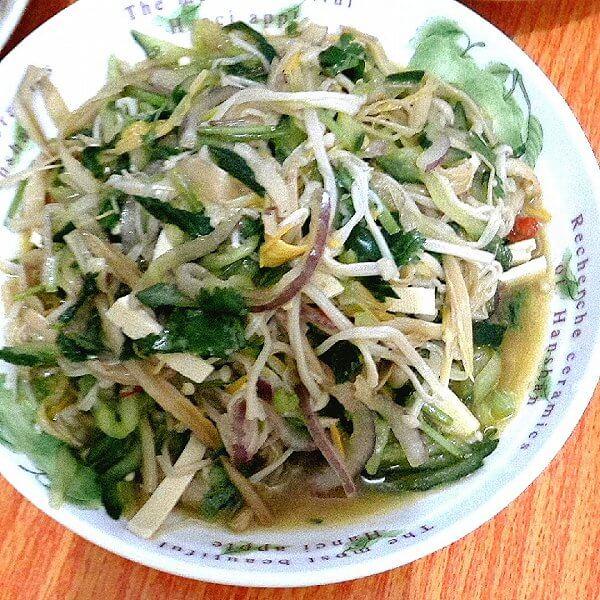 辣拌木耳黄花菜